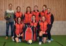 Nieuwe jassen voor S.V. Sociï volleybal dames 1